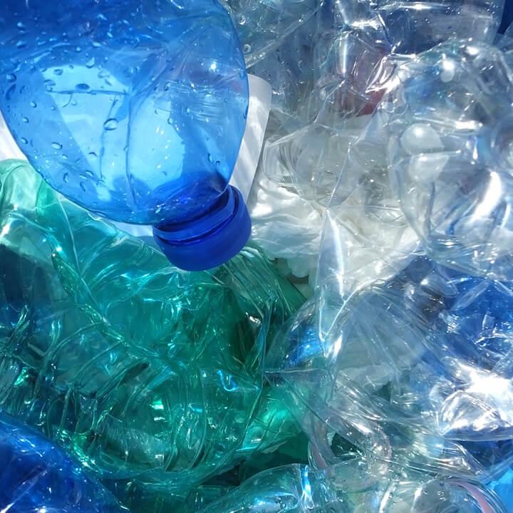 What A Waste: Jacken aus Wollabfällen und Plastikflaschen
