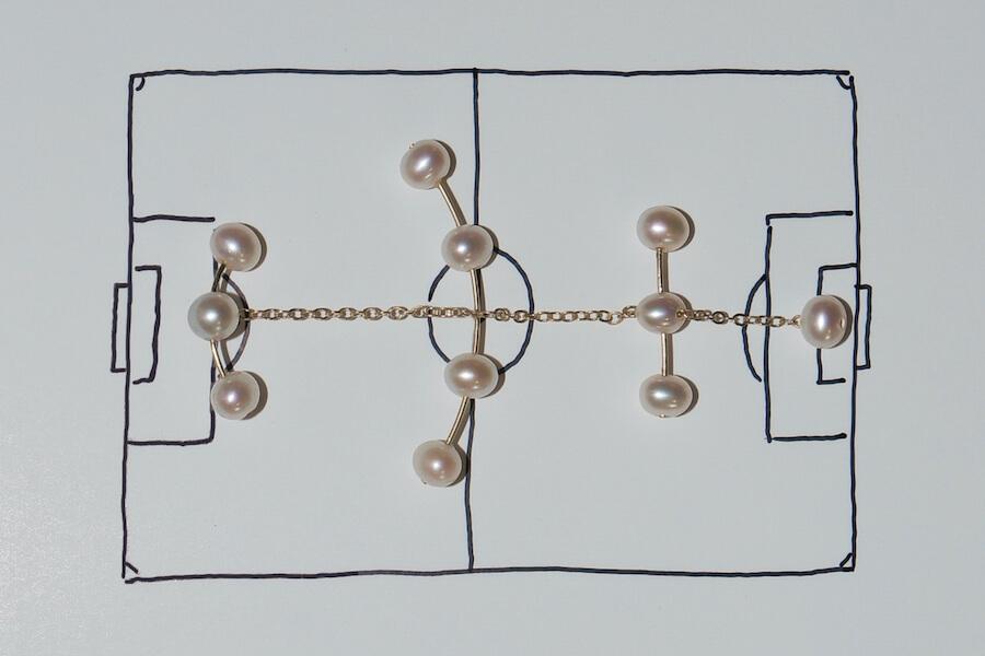Elf am Ohr: Soccer Jewels von Saskia Diez, Bilder: Saskia Dietz