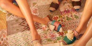 Bunt und fair im April: Babouches von Tassel Tales